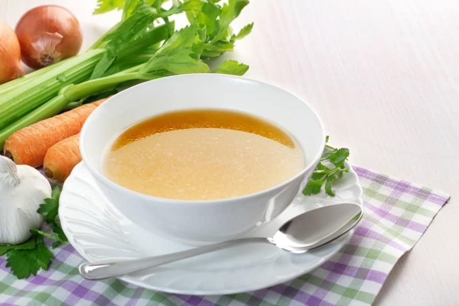 One simple way to make homemade chicken broth